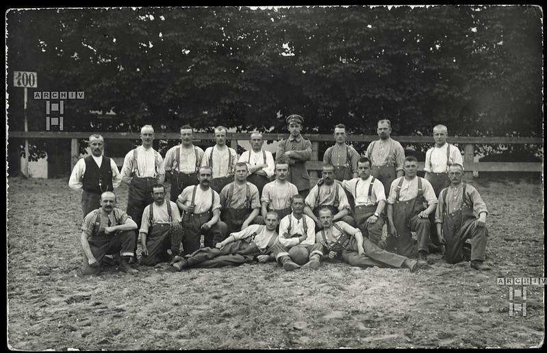 ArchivTappenZ298 Kameradenphoto, Fußball, 1910er