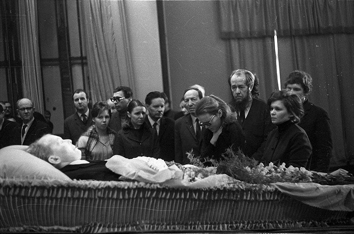 1971. Похороны А.Т. Твардовского. декабрь