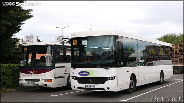 Irisbus Récréo – Transports Michel n°208 / Aléop (Anjoubus) n°518 & Fast Concept Car Scoler – Hervouet France (Groupe Fast, Financière Atlantique de Services et de Transports)