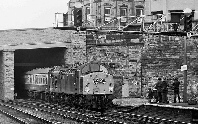 40028  (Samaria)   Huddersfield.  April 1st 1984.