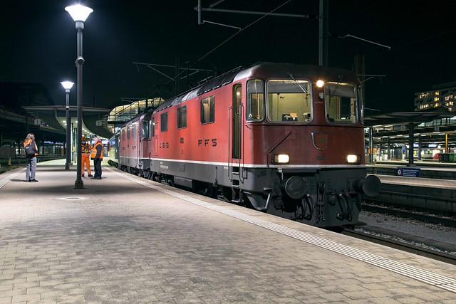 SBB Re 4/4 420 143 + 420 111 Basel SBB