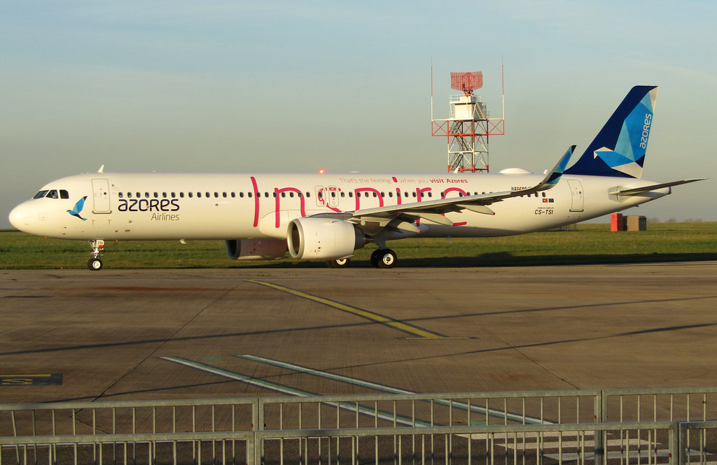 CS-TSI departing Stand 5 after paintwork