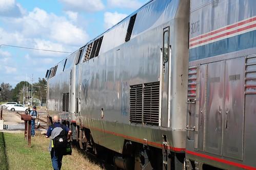 2020 amtraktrip usa louisiana newiberia sunsetlimited train people worker railroading