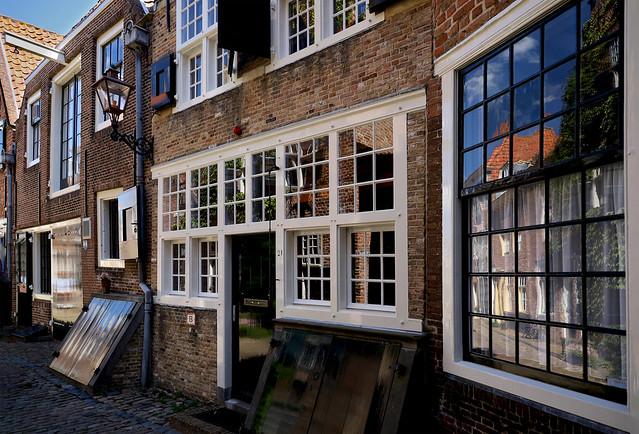 Deuren en ramen - Doors and windows