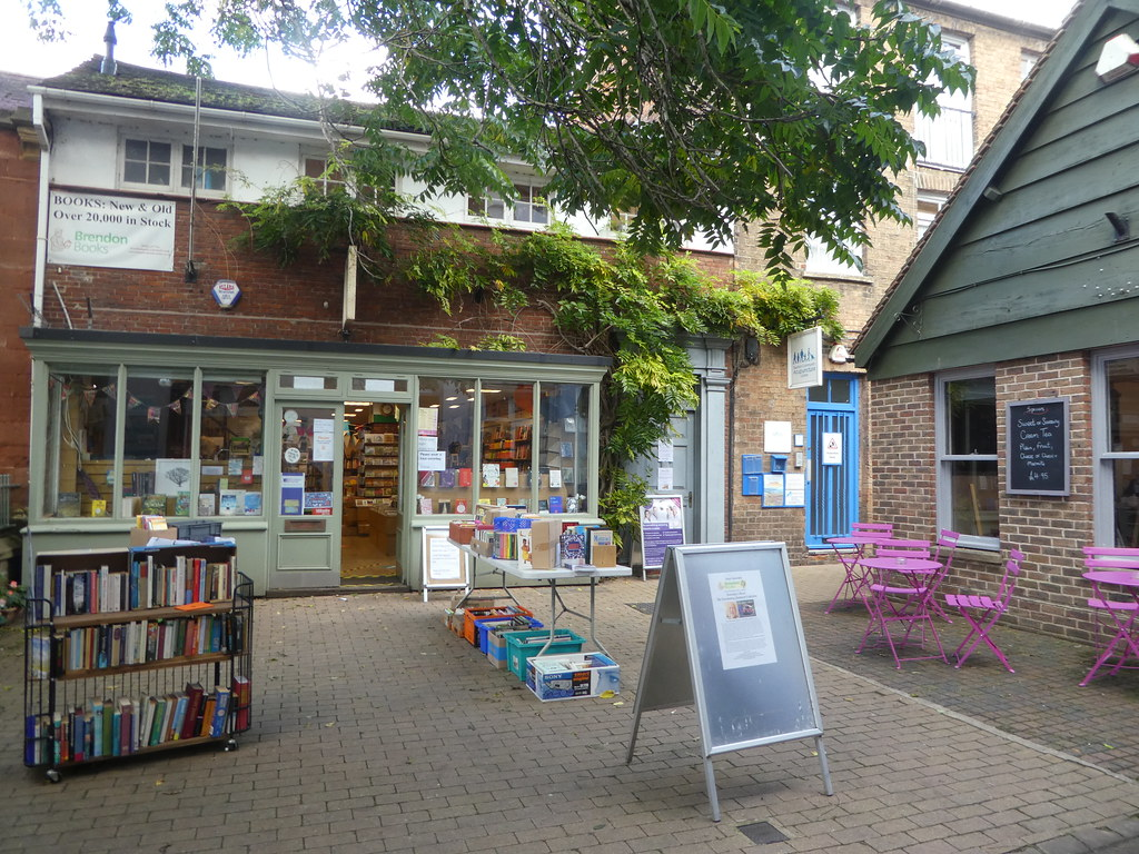Independent shops and cafes in Taunton