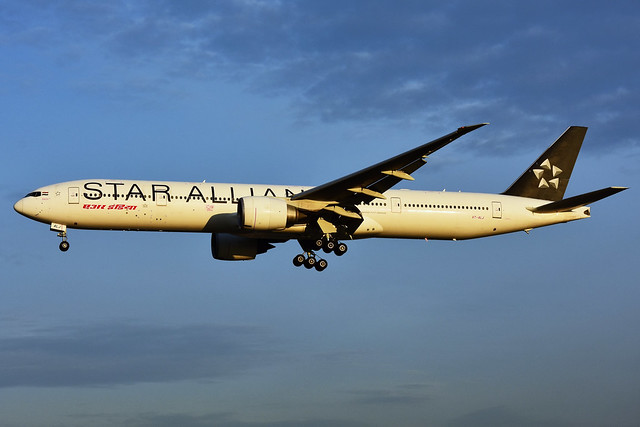 VT-ALJ (Air India - STAR Alliance)