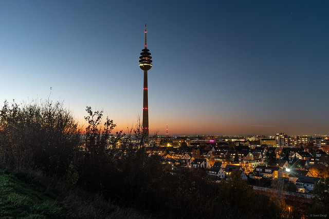Nuremberg television tower at dusk ...