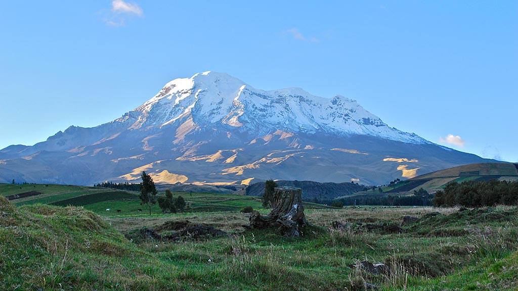 chimborazo-volcano-sunset-in-ecuador