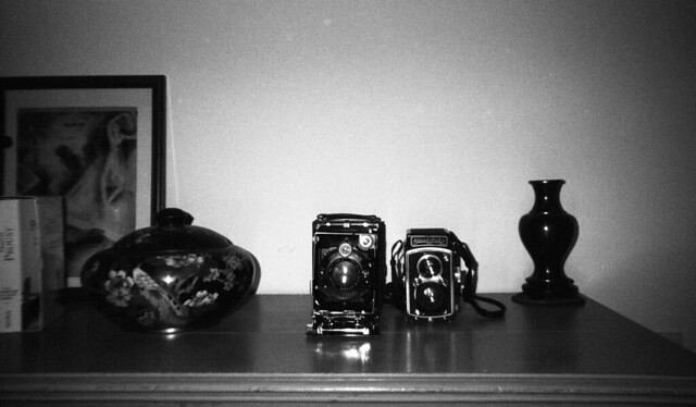 9572.Old Cameras