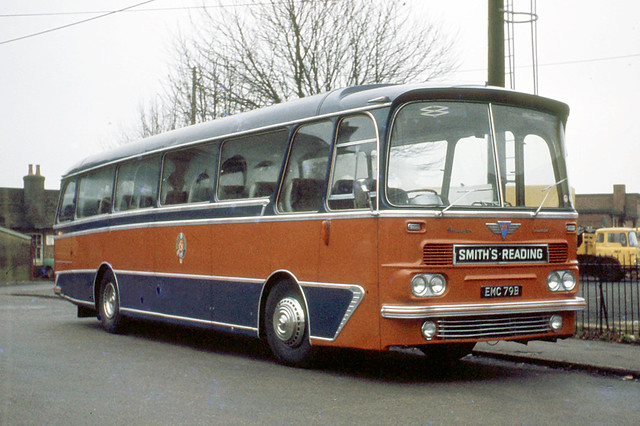 Smiths Luxury Coaches . Reading , Berkshire . EMC79B . Aldershot Railway Station , Hampshire . Saturday afternoon 01st-January-1972 .