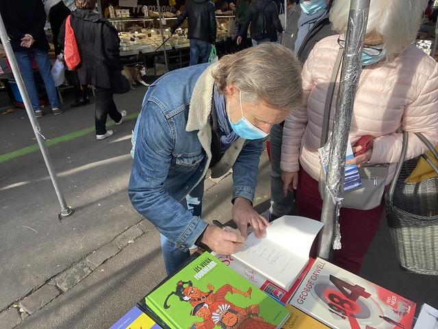 Paris : des librairies au marché