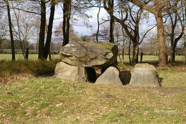 Großsteingrab 14a-d