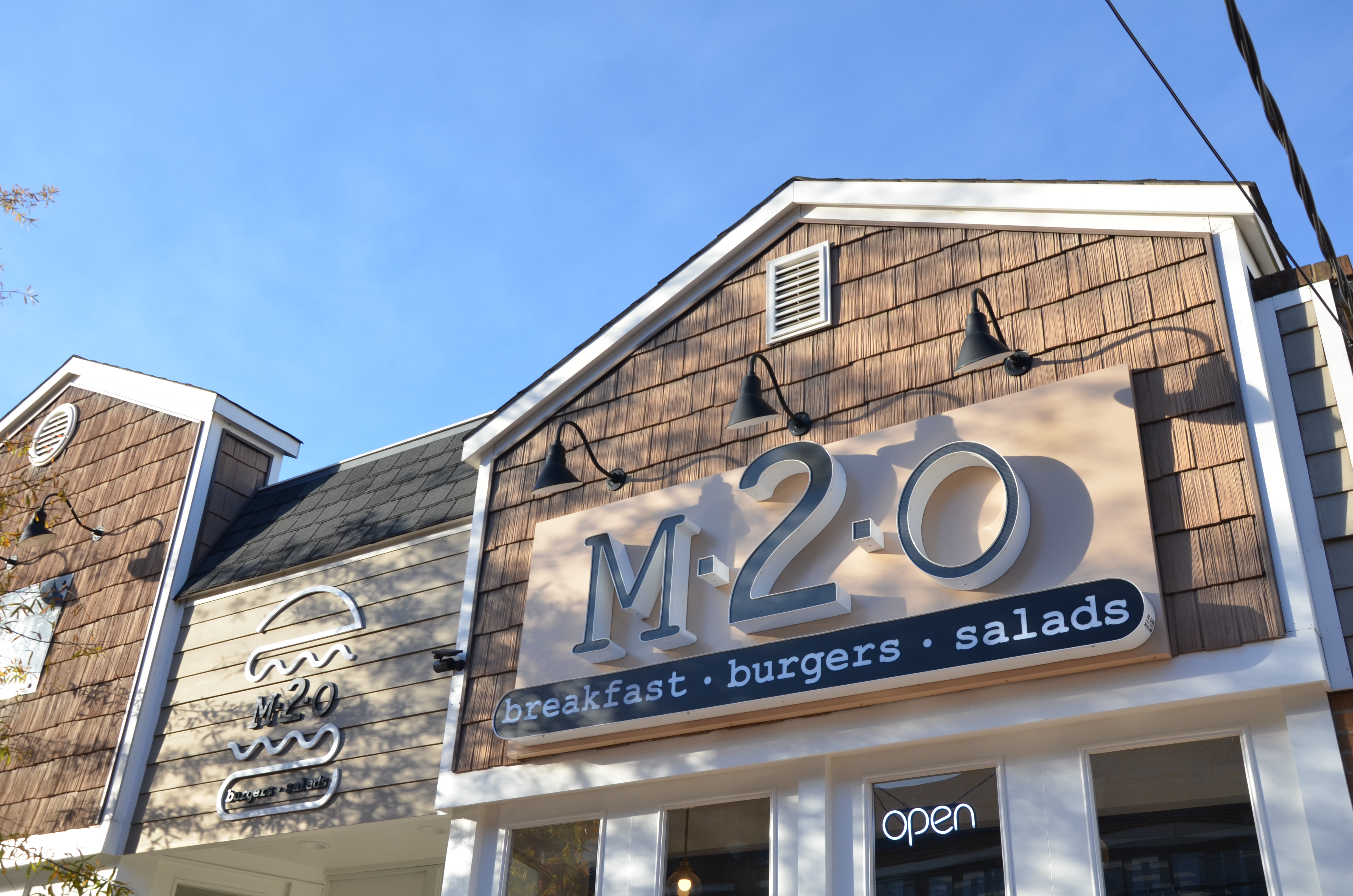 M2O Burgers and Salads