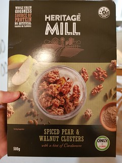 Heritage Mill Spiced Pear and Walnut Clusters