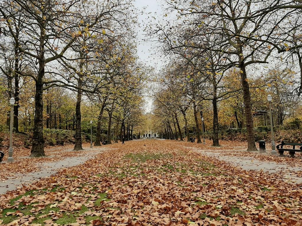 Caminos paralelos Parc Royale
