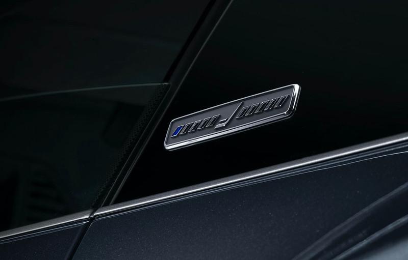 2021-Porsche-911-Turbo-S-Duet-Edition-10