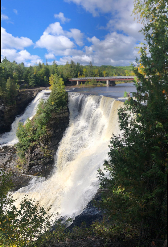 Kakabeka Falls PP - the falls in sun