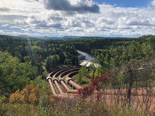 Kakabeka Falls - the hydro station