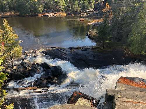 Algonquin PP - Achray - High Falls looking down