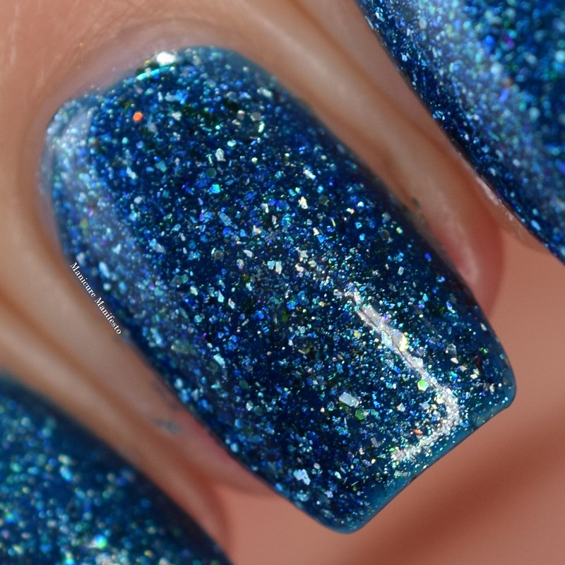 Girly Bits Cosmetics OOAK Blue Flakie Shimmer Review