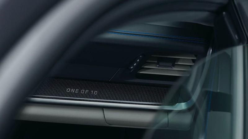 2021-Porsche-911-Turbo-S-Duet-Edition-14