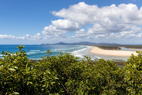 australia au newsouthwales nsw midnorthcoast nambuccaheads nambuccariver river nambuccavalley coffscoast coast beach ocean waves surf lookout view clouds canoneosr canonrf24105mmf4lisusm