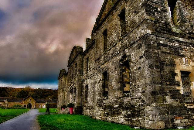 Abbaye Notre-Dame de Bon Repos, Saint Gelven, Bretagne.