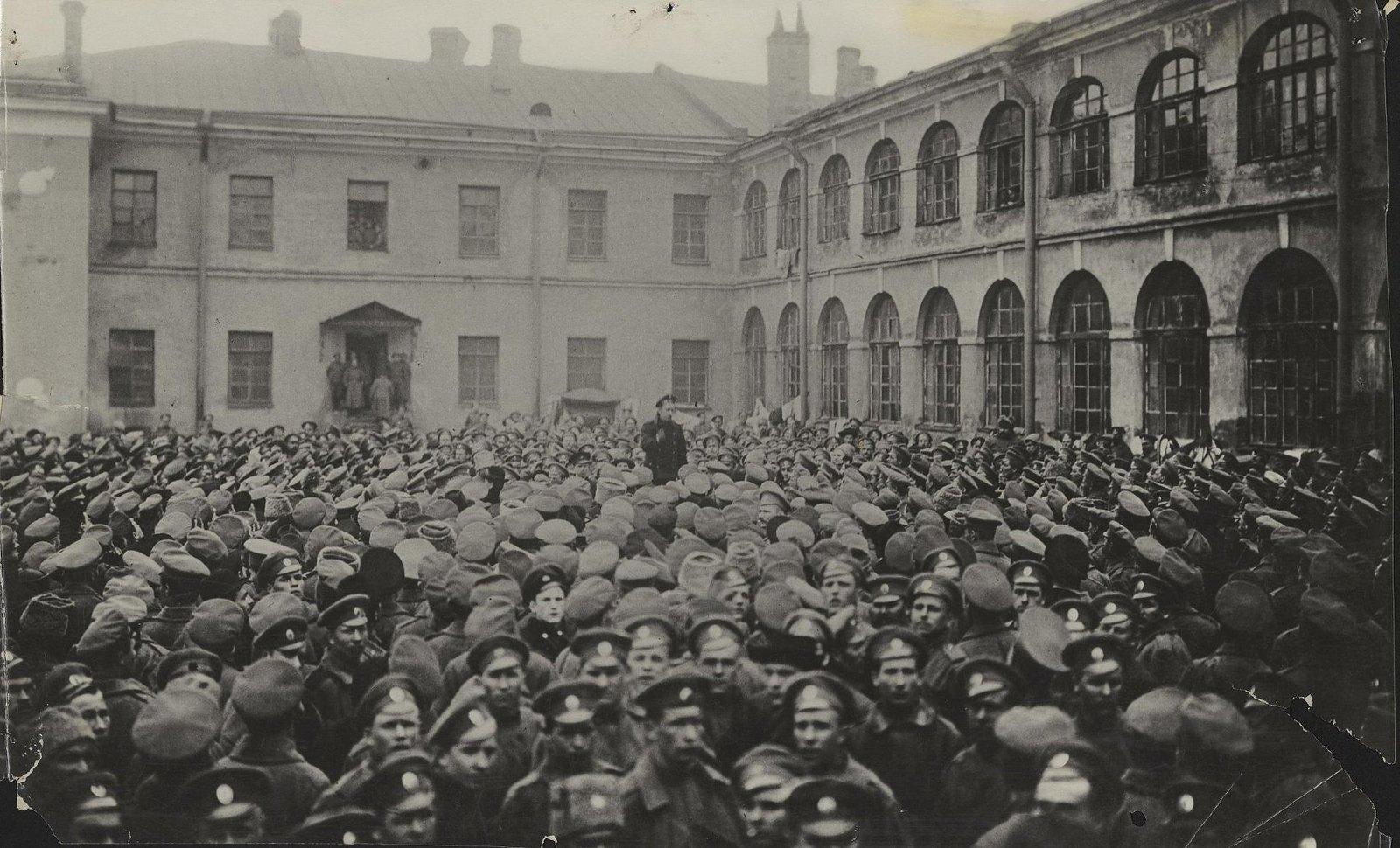 27. Митинг в гренадерских казармах
