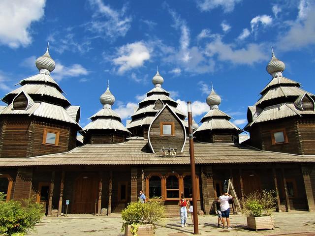 Russian Izba in Pairi Daiza