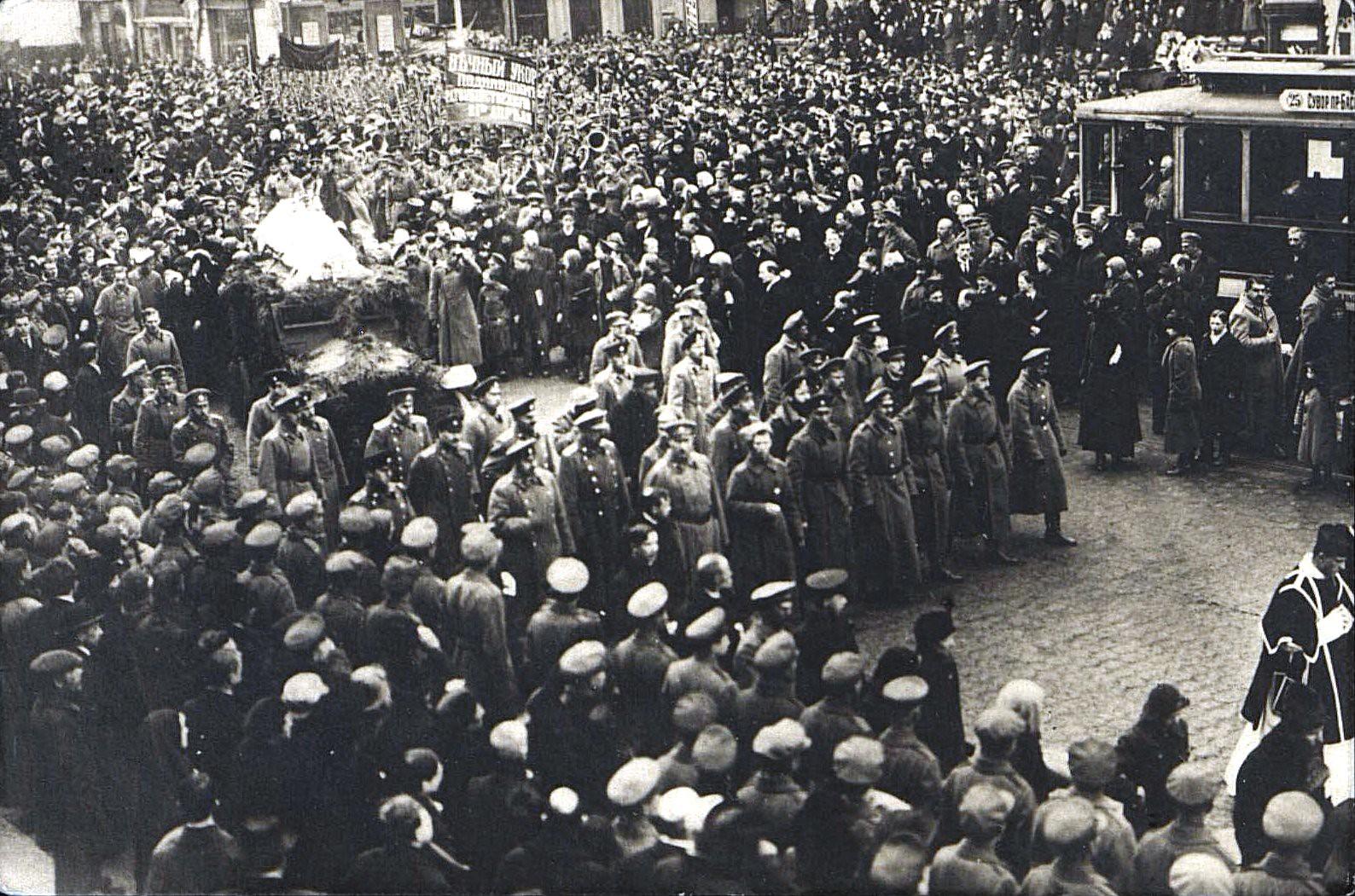 24. 23 марта. Похороны жертв революции