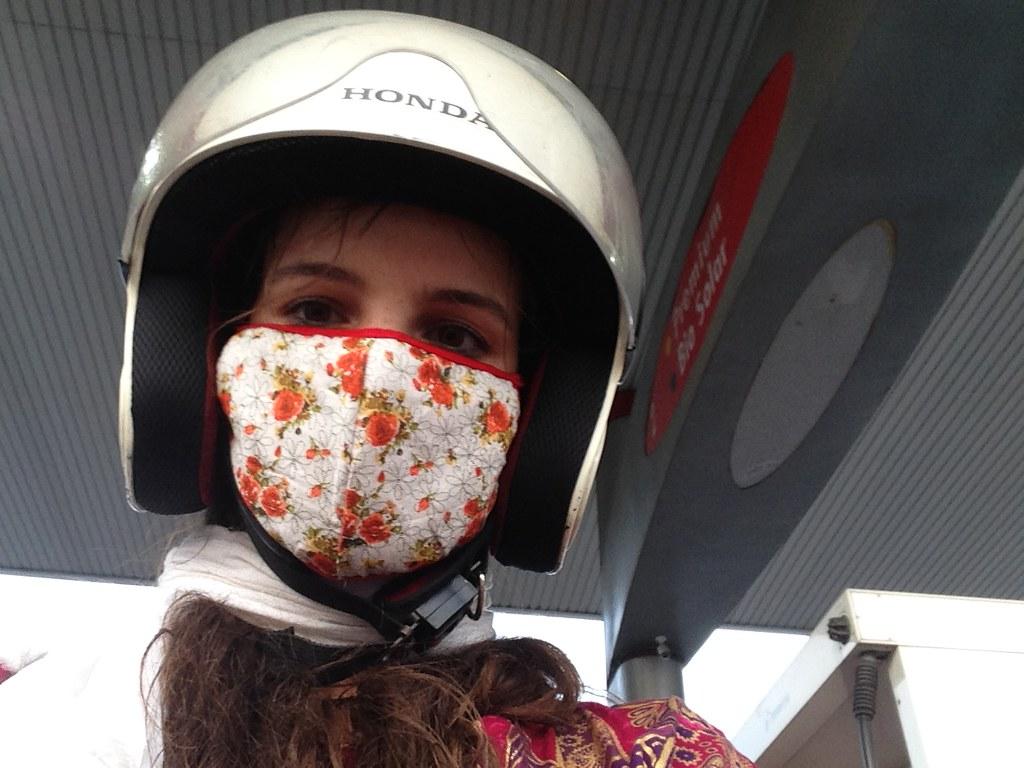 maszk hordás ázsiában motorozáshoz a légszennyezettség miatt