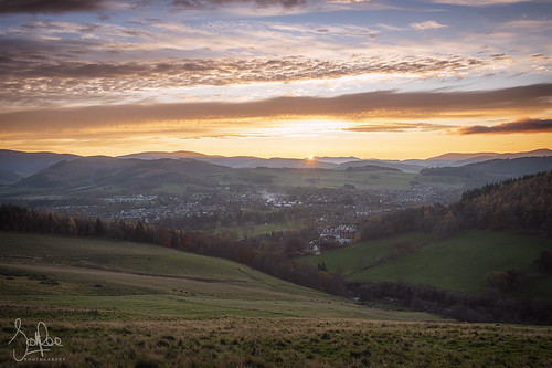 sunset peebles scotland scottishborders peeblesshire tweeddale landscape autumn hills clouds trees town valley tweedvalley