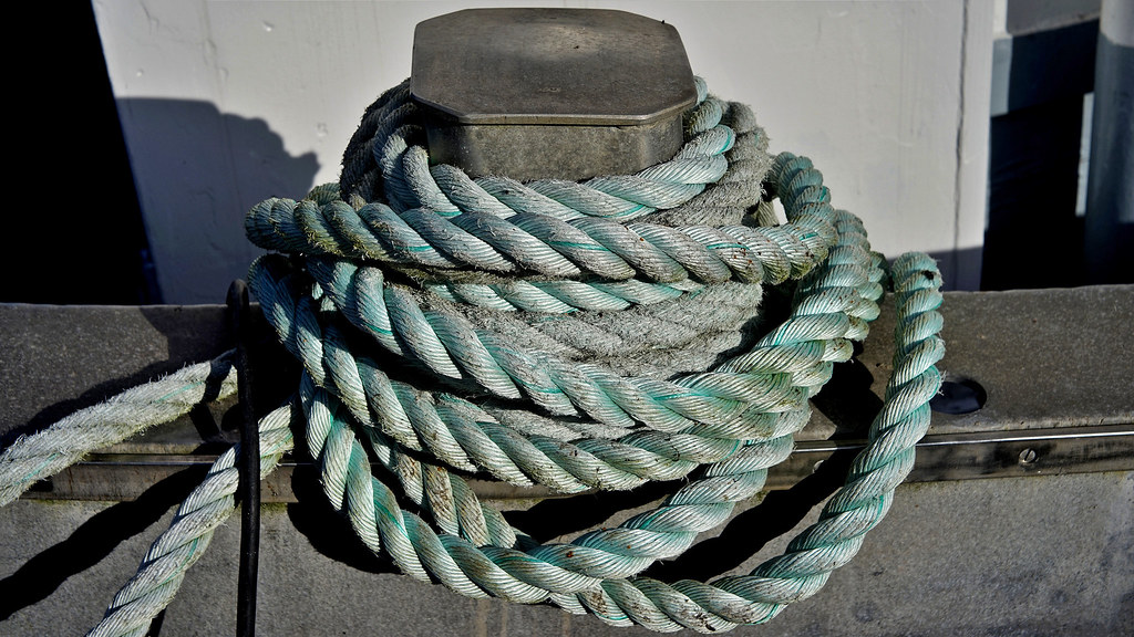 Bootspoller mit Seil