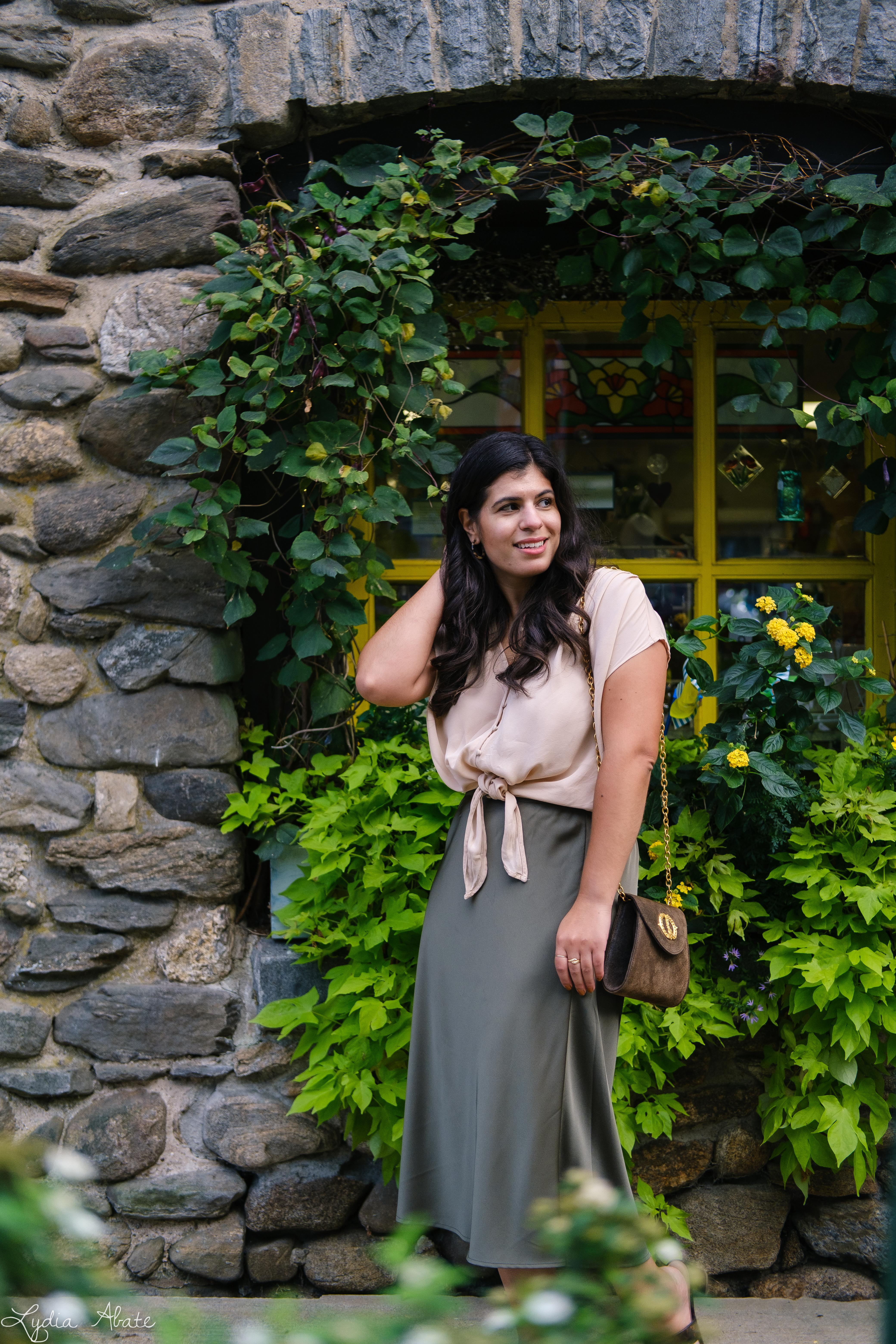 green slip skirt, silk blush knotted blouse, tortoise slides vintage chain bag-17.jpg