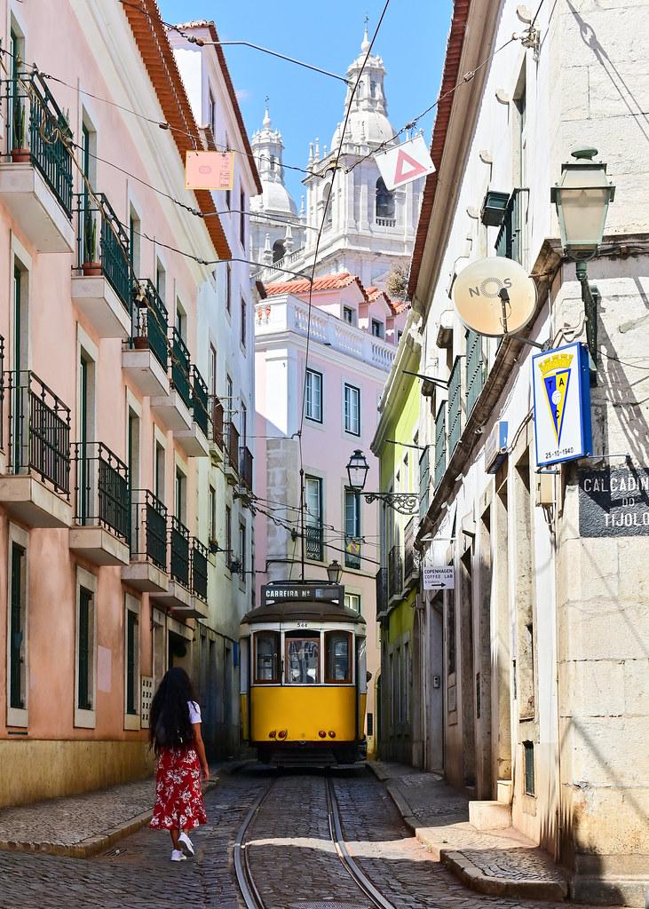 Calle Escola Gerais en el barrio de Alfama