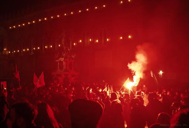 """Corteo """"Bologna scende in piazza"""" - foto di Grazia Perilli"""