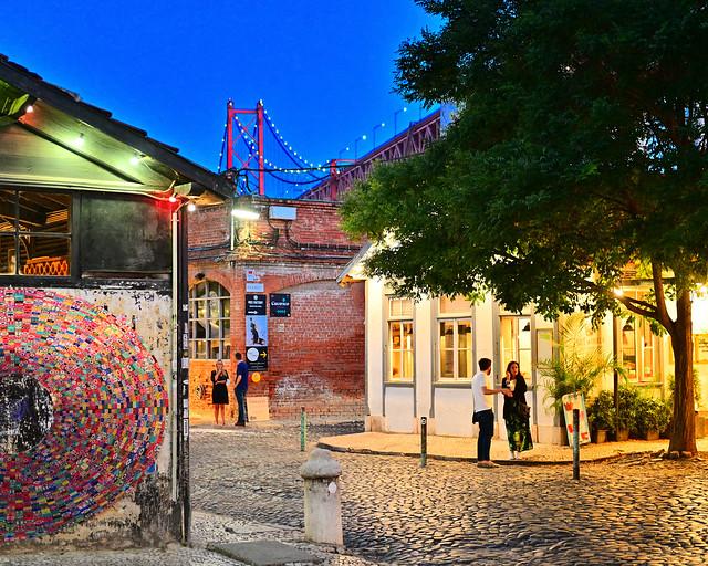 LX Factory, una de las cosas que ver de noche en Lisboa