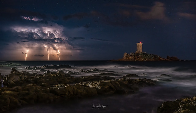 Storm off the island