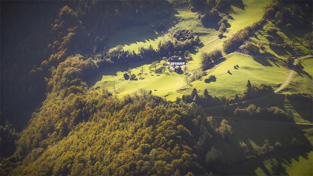 _DSC9826 Kainsner Farm seen from Mt. Schieferstein / Upper-Austria