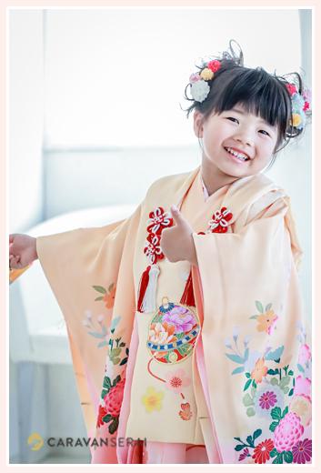 七五三 3才の女の子の衣装 オレンジのお着物と被布
