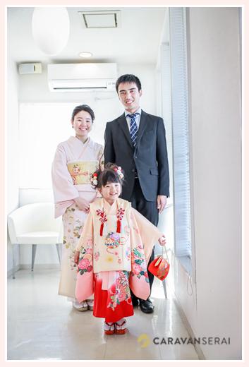七五三の出張撮影 ヘアと着付けの美容室で家族写真