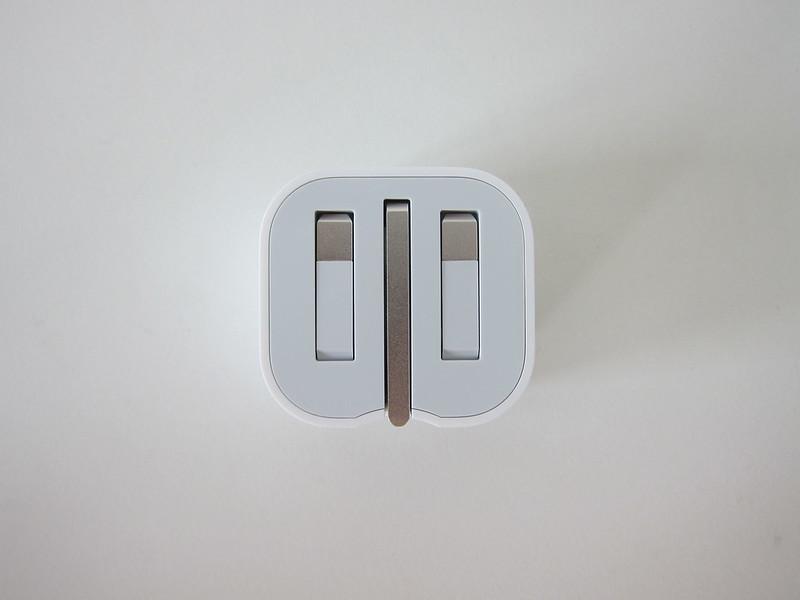 Apple 20W USB-C Power Adapter - Back - Folded