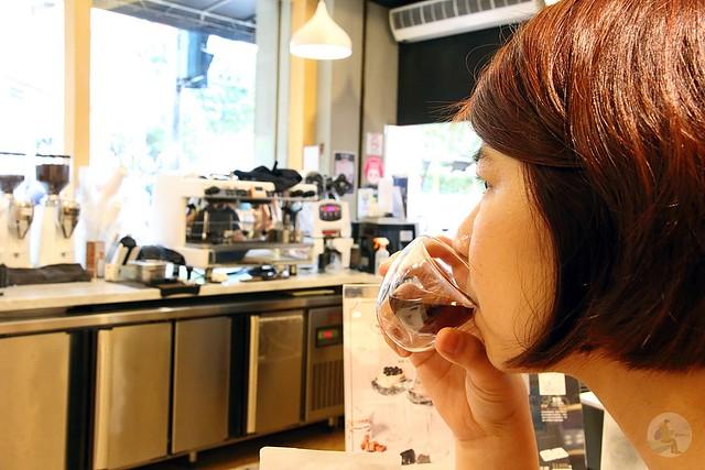 黑沃咖啡台中學士店
