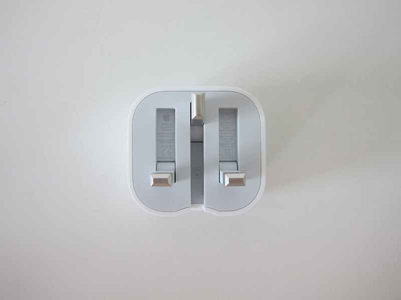 Apple 20W USB-C Power Adapter - Back - Unfolded