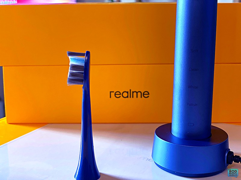 realme scale luggage toothbrush lifestyle 11 ROD MAGARU