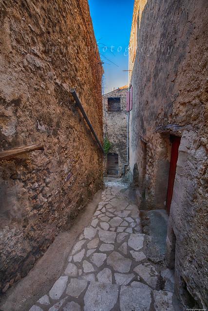 Cotignac Village de Caractère du Var -3D0A7400