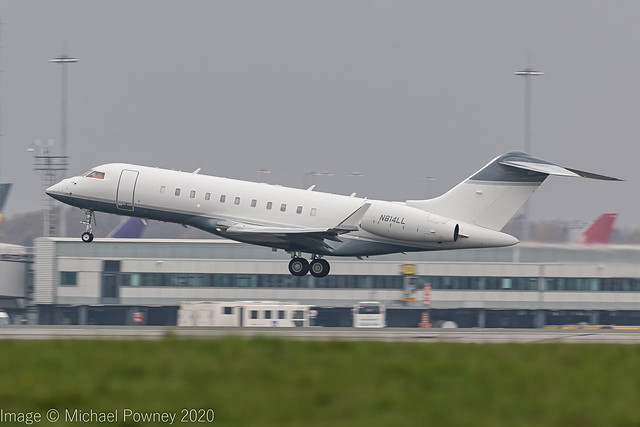 N814LL - 2005 build Bombardier BD700 Global Express 5000, departing from Runway 23R at Manchester