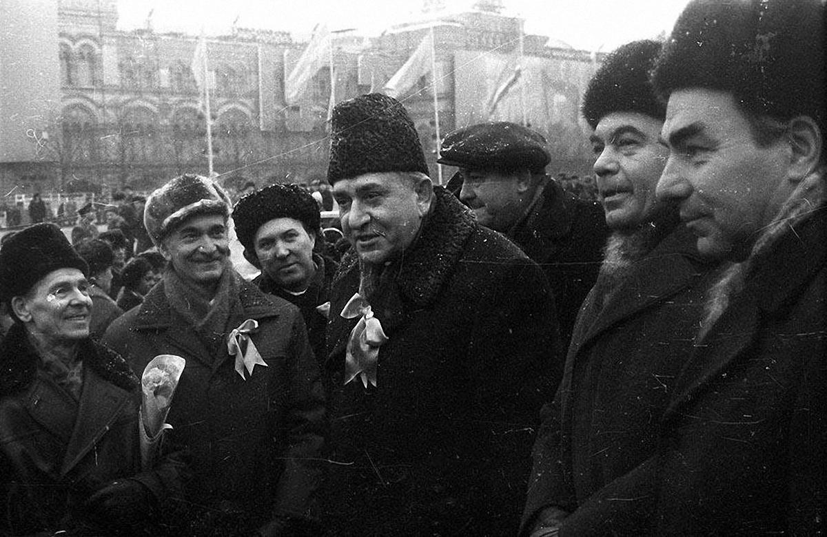 1972.  Виктор Васильевич Гришин – 1-ый секретарь Московского горкома КПСС на параде. Красная площадь. 7 ноября