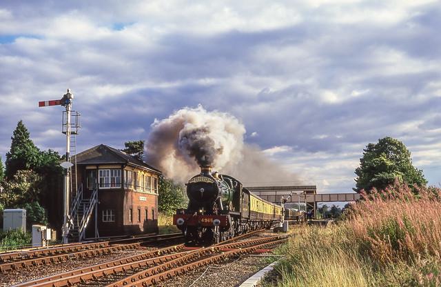 4965 At Henley in Arden. 09/09/2001.