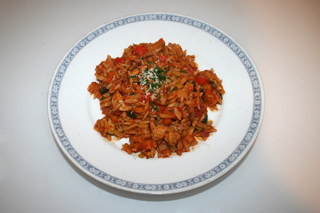 Italian turkey veg orzo skillet - Leftovers I / Italienische Kritharaki-Gemüse-Pfanne mit Putenstreifen - Resteverbrauch I